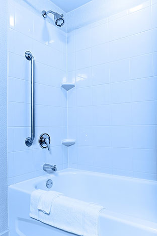 Home Care Services in Beverly Hills CA: Senior Bathing